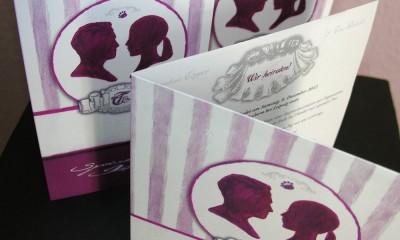 Einladungen, Speisekarten und Dekoration nach eigenen Entwürfen der Braut
