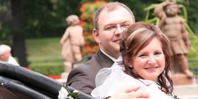 Das volle Programm. Der Bräutigam ein Organisationstalent. Alles perfekt. Auch das Glück.